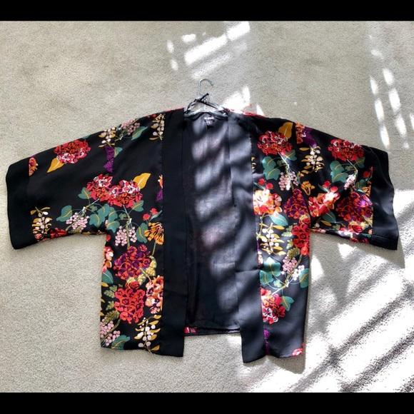H Et M Kimono 1